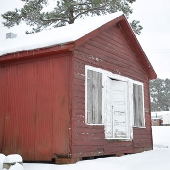 Franklin Southampton Tourism Barn Snow
